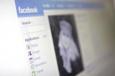 "Prostitutės savo intymias paslaugas siūlo ""Facebook'e"""