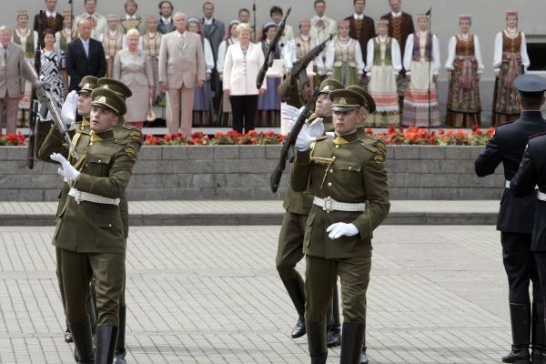 D.Grybauskaitė: Nereikia aukotis dėl valstybės - reikia ją mylėti ir kurti