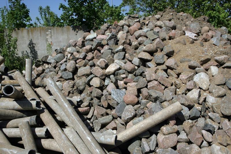 Vagys pasikėsino į A.Juozapavičiaus prospekto grindinio akmenis