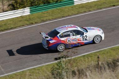 Žiedinių lenktynių meistrai sezoną baigia Kačerginėje