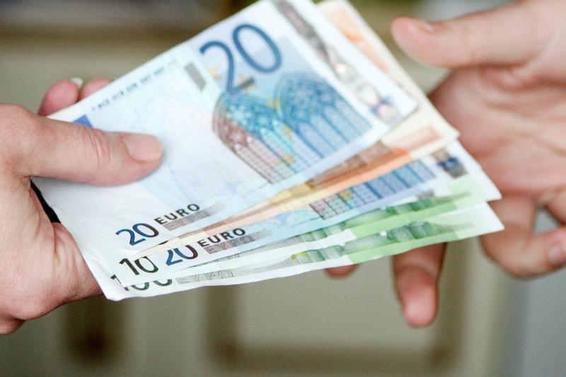 Neblaivus italas policininkams siūlė 400 eurų