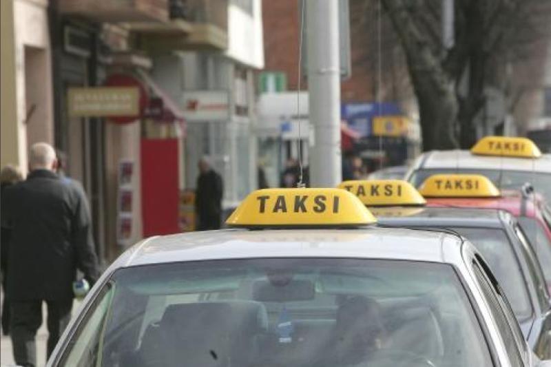 Klaipėdos policija narplioja dvi istorijas iš taksistų gyvenimo