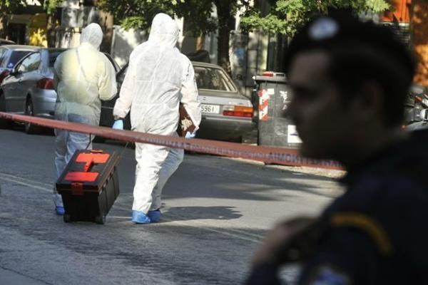 Graikija po išpuolių sustabdė užsienio oro siuntas