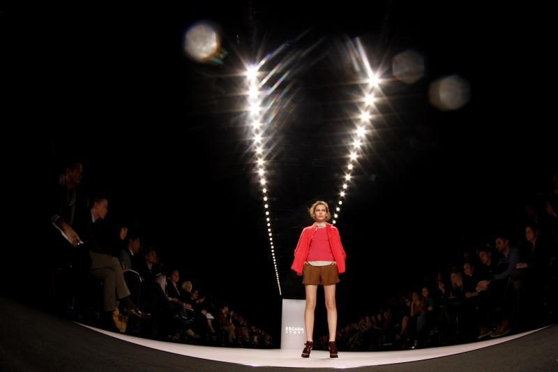 Milano mados savaitė 2012: išlaikytos klasikos tradicijos