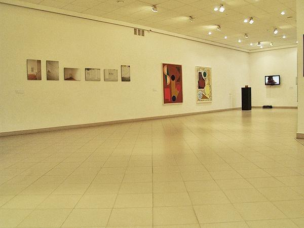 Kviečia į ekskursiją po jaunųjų Europos kūrėjų bienalę
