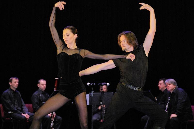 """""""Permainų muzika"""": medinių pučiamųjų ir baleto sintezė"""