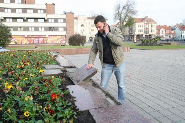 Atgimimo aikštėje - vandalų išpuolis