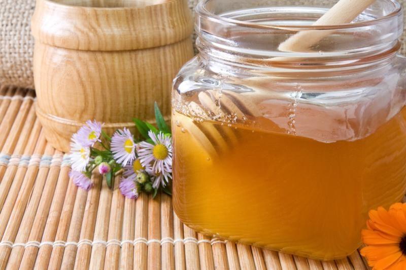 13 būdų medų naudoti ne tik arbatai gerti