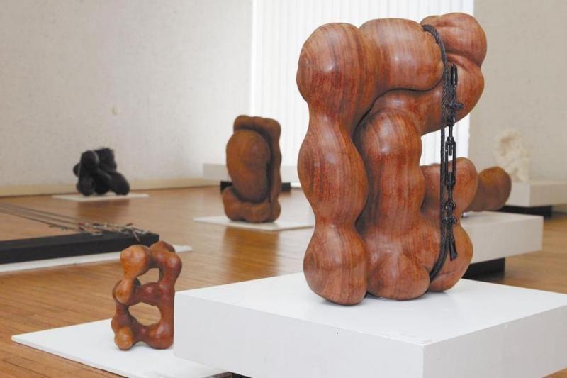 Palangoje – Paryžiuje gyvenančio kraštiečio skulptoriaus retrospektyva