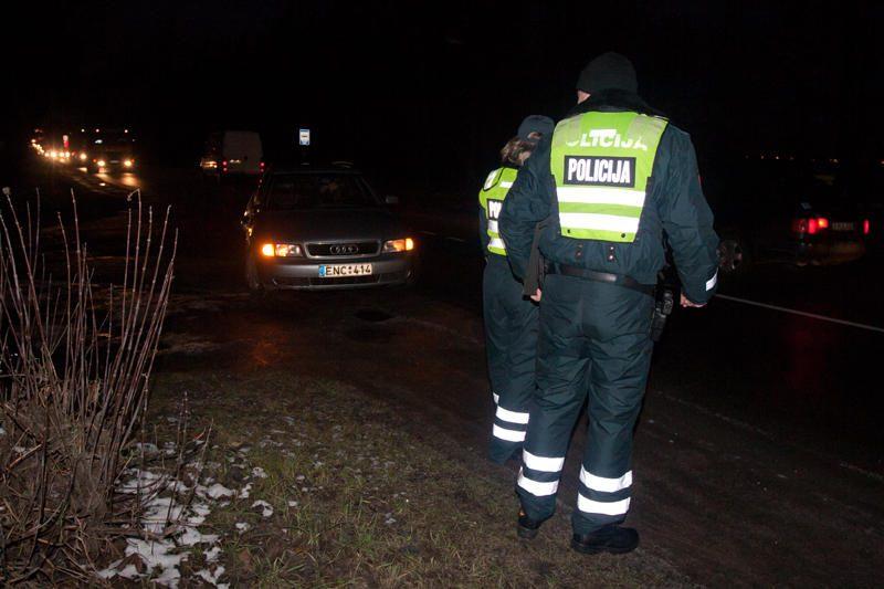 Vilniaus pakraštyje partrenktas staiga į gatvę įžengęs vyras