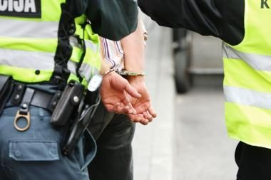Klaipėdos r. sulaikytas pistoletu grasinęs jaunuolis