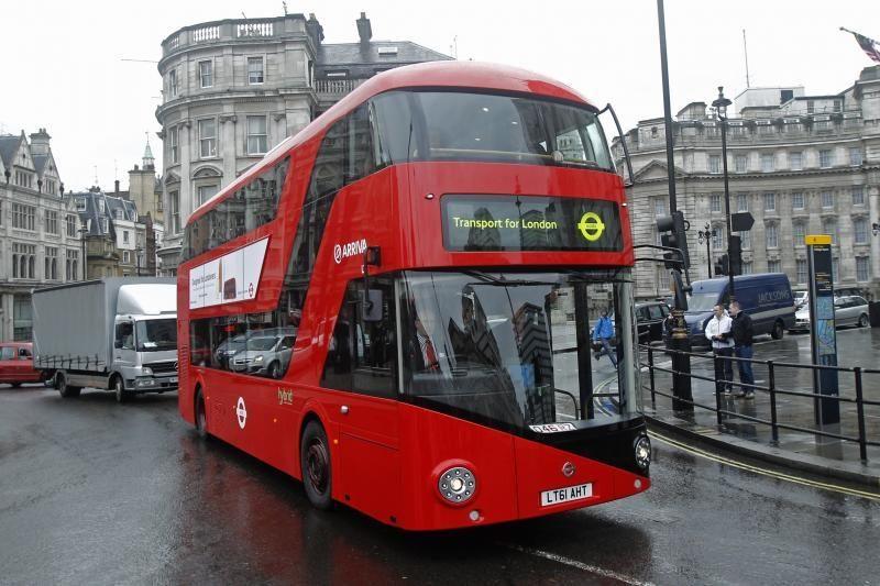 Londone važinės autobusai su hibridiniais varikliais