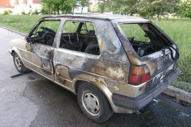 Klaipėdoje degė trys automobiliai (papildyta)