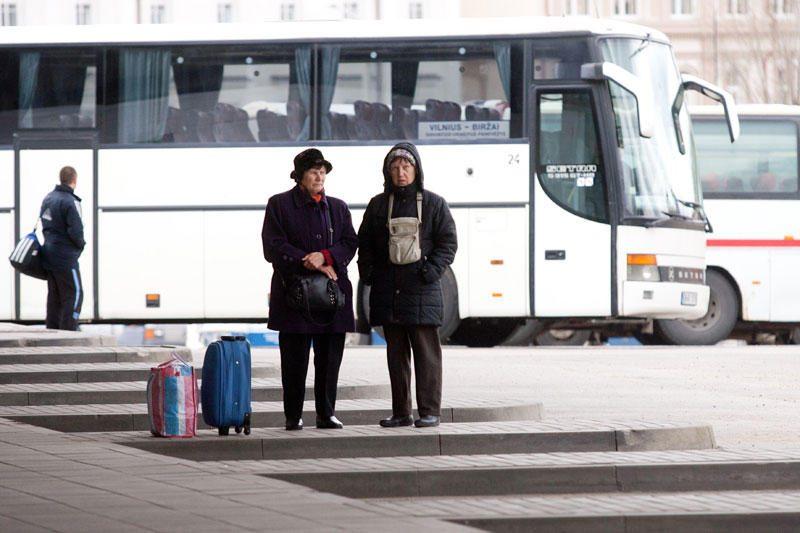 Šaltis koreguoja vežėjų planus: neišvyko kai kurie autobusai