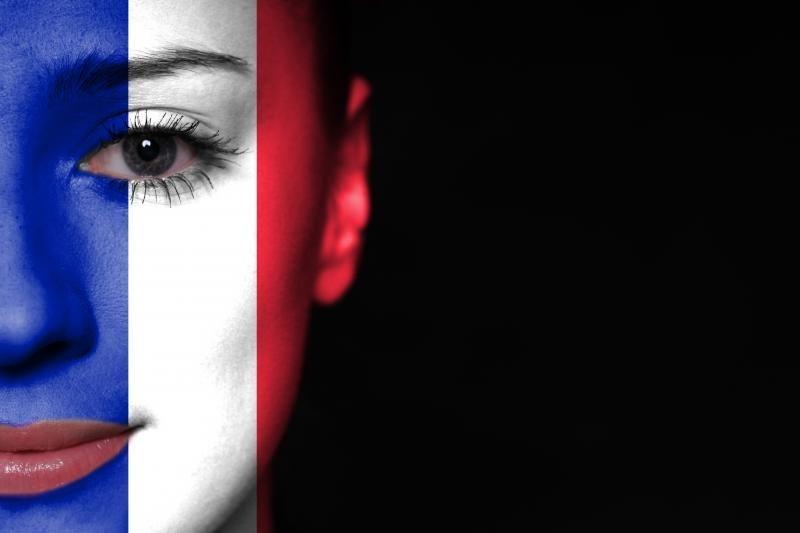 Prancūzija nusitaikiusi į elektroninius laiškus ir pokalbius telefonu