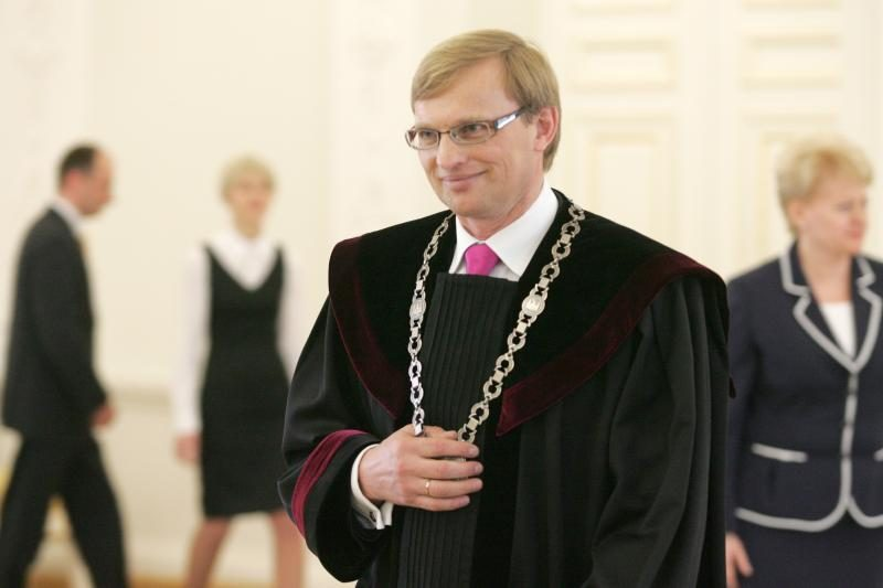 Patariama skirti A.Valantiną Vilniaus apygardos teismo teisėju