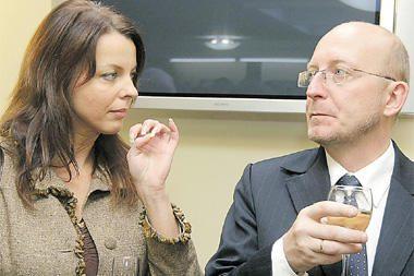 A.Valinskas aiškinsis, kas vyksta tarp jo žmonos ir R.Vilkončiaus