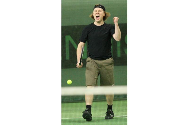 """""""Kauno dienos"""" teniso turnyro didžioji taurė iškeliavo į sostinę"""