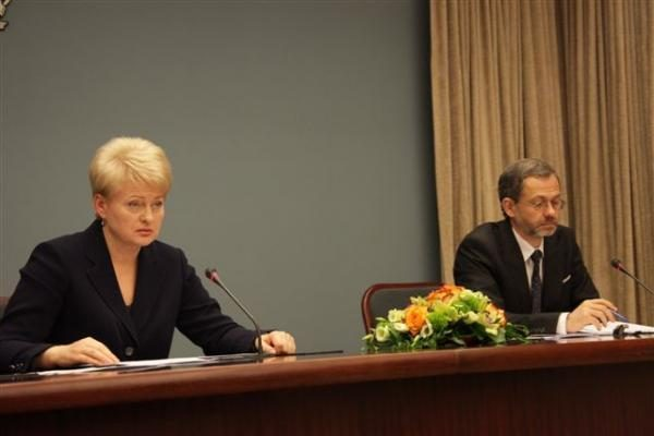 Prezidentė dėl CŽV kalėjimo Lietuvoje turi