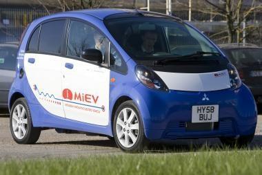 Elektromobiliai krausis be laidų