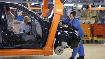 Rusijos automobilių rinka skolinga 100 milijardų