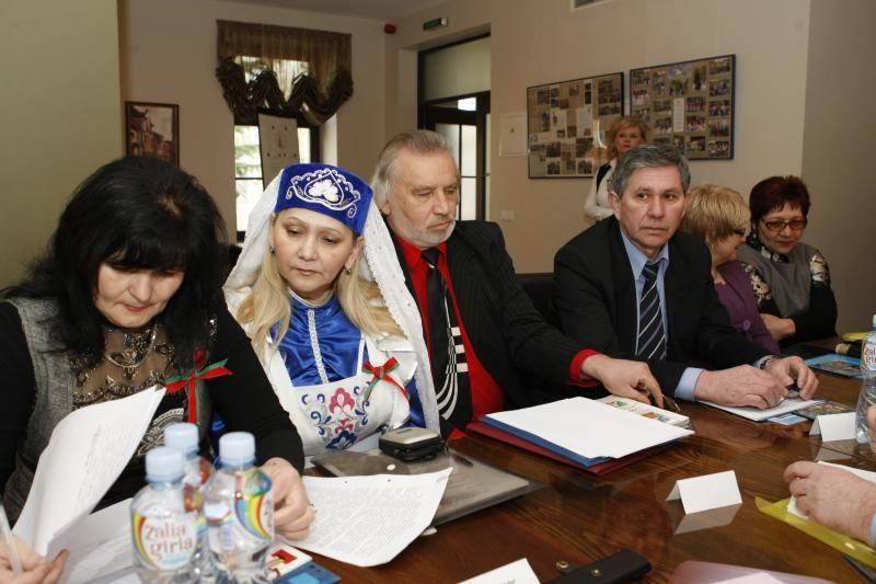 Totoriai mokosi iš lietuvių išlaikyti savo kultūrą ir tradicijas