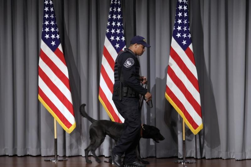 JAV pratęs ambasadų uždarymą dėl grėsmių saugumui (papildyta)