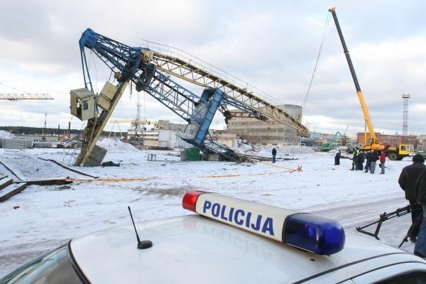 Tragedija Klaipėdoje: nuvirtus kranui žuvo darbininkas, kitas sužeistas (papildyta)