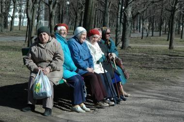 Valdantieji kol kas susilaiko nuo pensijos amžiaus didinimo