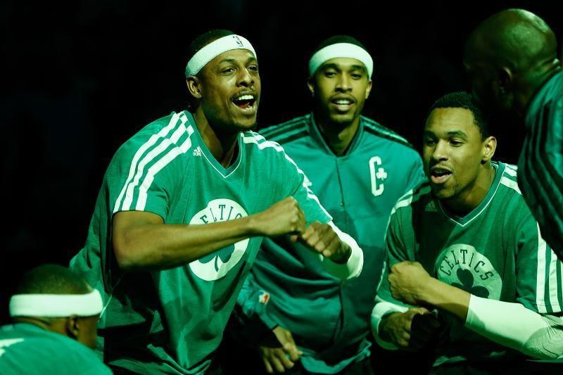 """Grandioziniai NBA mainai: """"Nets"""" prisiviliojo tris """"Celtics"""" žvaigždes"""