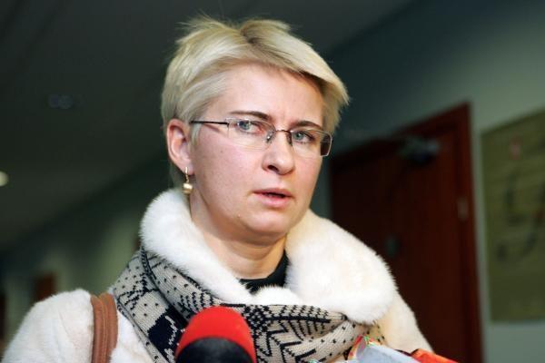 Teismas vis dar negavo L.Stankūnaitės dukters ekspertizės išvadų