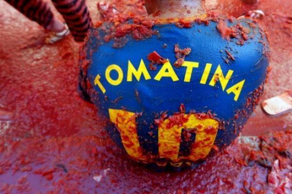 Ispanijoje įvyko tradicinis pomidorų mūšis