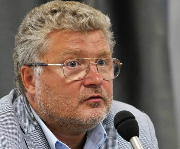 Vilniuje viešės rašytojas  J. Poliakovas