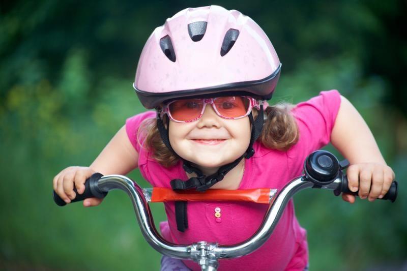 Jaunieji Palangos dviratininkai raginami dėvėti šalmus