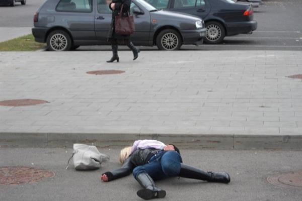 Atlanta: buvo įdomu gulėti ant grindinio lyg negyvai