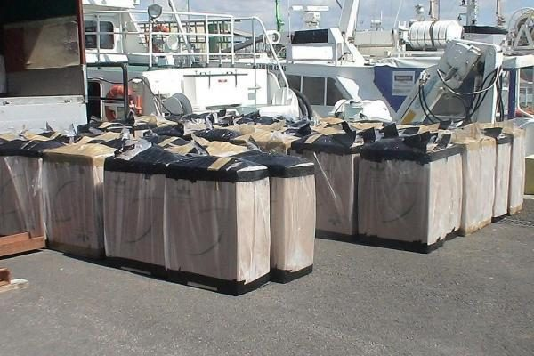 Iš jūros grįžusiame kateryje – kontrabandiniai rūkalai