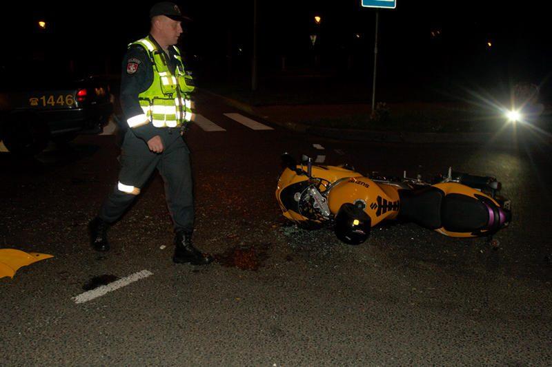 Per avariją Subačiaus gatvėje nukentėjo motociklininkų pora
