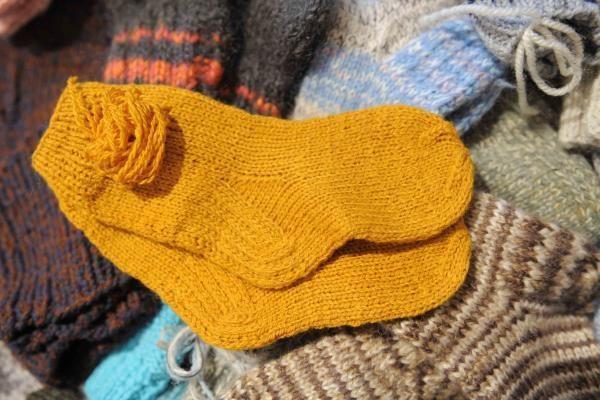 Afganistano vaikams lietuviai padovanos 2 tūkst. porų šiltų kojinių