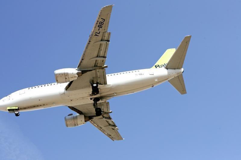 """""""Aurelos"""" lėktuvas Didžiojoje Britanijoje nuslydo nuo tako"""