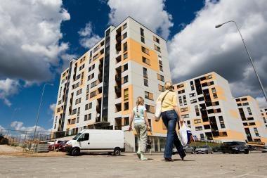 Didmiesčiuose butų kainos nukritusios iki 35 proc.