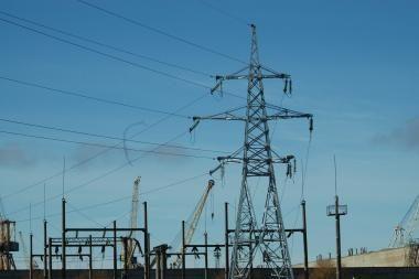 Kovodama prieš elektros tiltą bendruomenė kreipsis į ES
