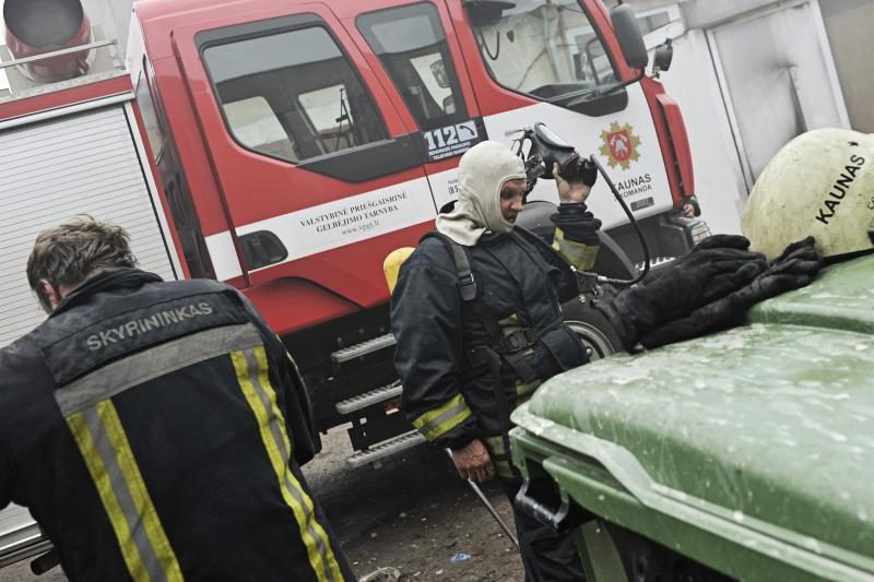 """""""Girstučio"""" komplekse Kaune kilo gaisras, rasti dviejų žmonių lavonai"""