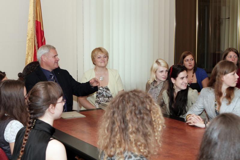 Klaipėdos meras pagerbė geriausius abiturientus