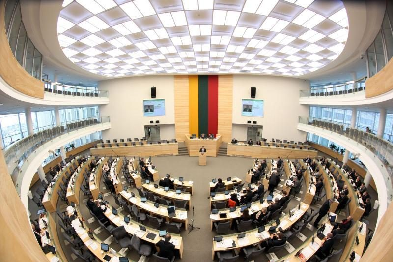 Į 141 Seimo nario vietą – du tūkstančiai pretendentų