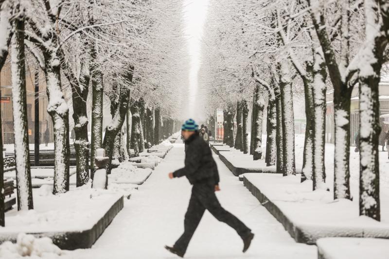 Penktadienio rytas: Kauno gatvės vėl virto čiuožyklomis
