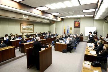 Klaipėdos politikams neleista švaistytis mokesčių mokėtojų pinigais