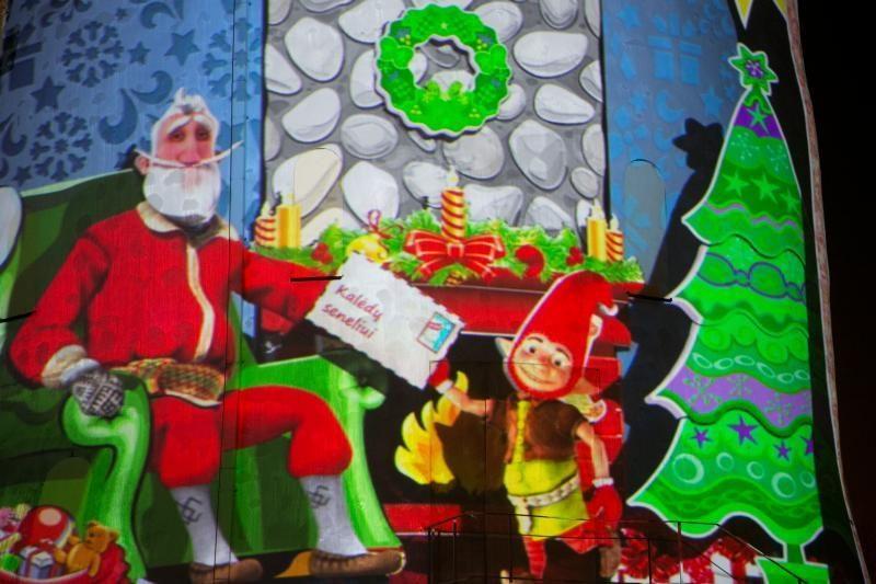 Vilniečiai pagaliau pamatė išreklamuotąjį skaitmeninį Kalėdų senelį