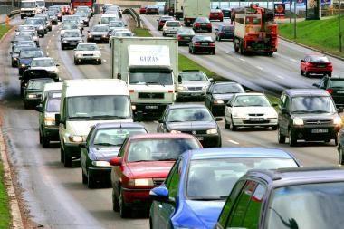 Kaip išvengti problemų perkant ar parduodant transporto priemonę