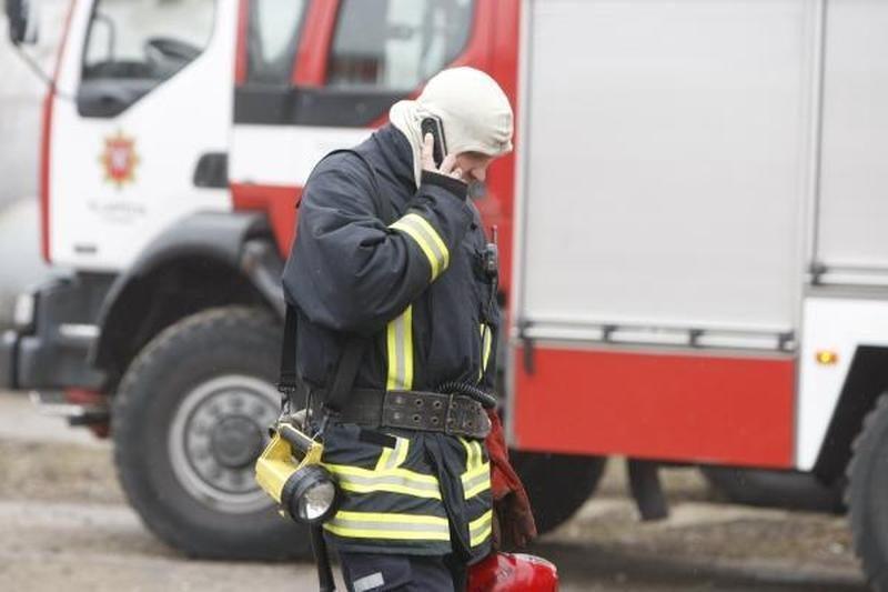 Pajūrio ugniagesiams - neramus ketvirtadienio rytas