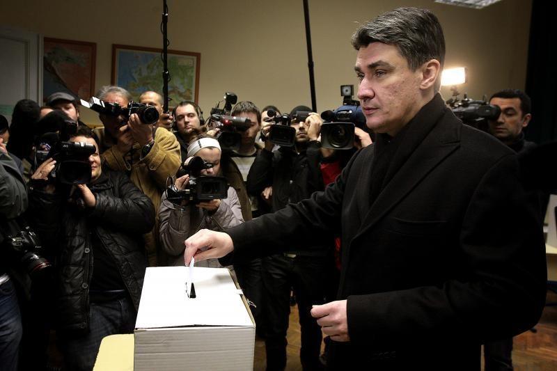 Kroatai balsuoja dėl stojimo į Europos Sąjungą